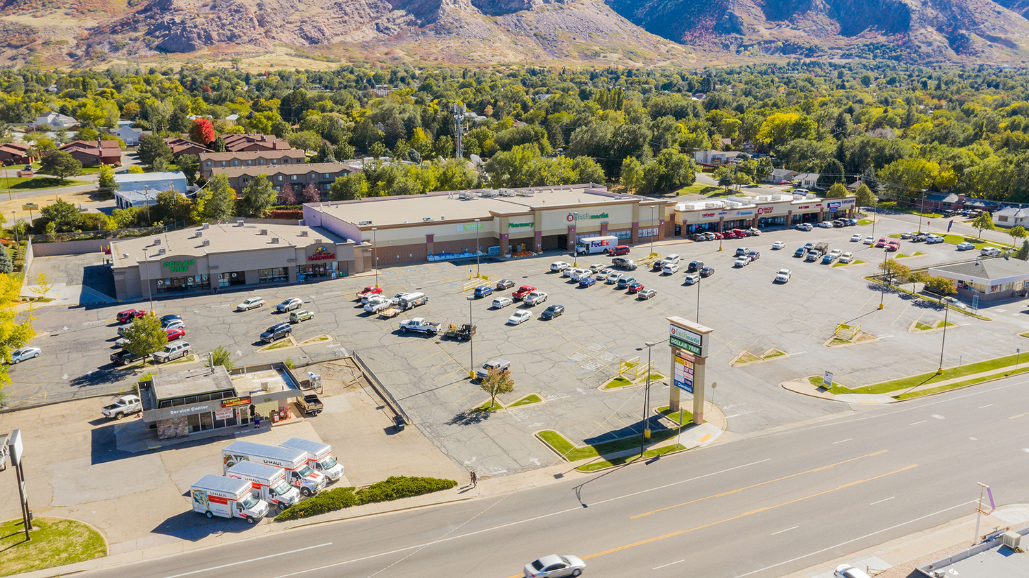 Mountain West Brokers the Investment Sale of Canyon Plaza